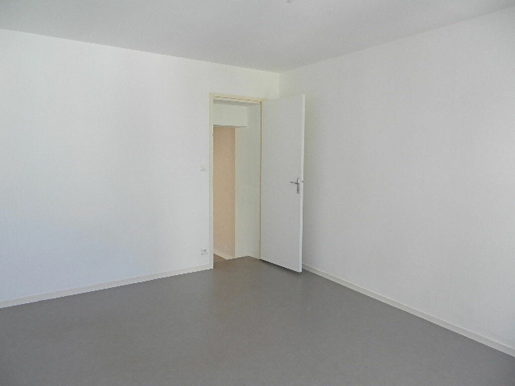 Location Appartement 2 pièces à Cherbourg-Octeville - vignette-2