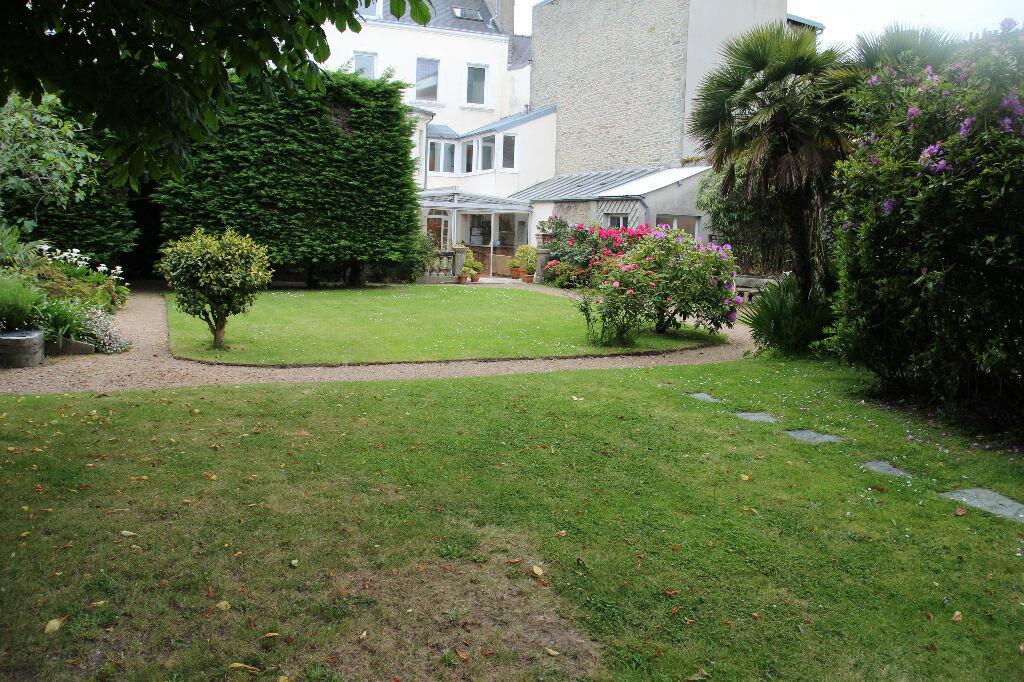 Achat Maison 11 pièces à Cherbourg-Octeville - vignette-1