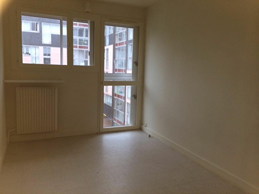 Location Appartement 4 pièces à Cherbourg-Octeville - vignette-4