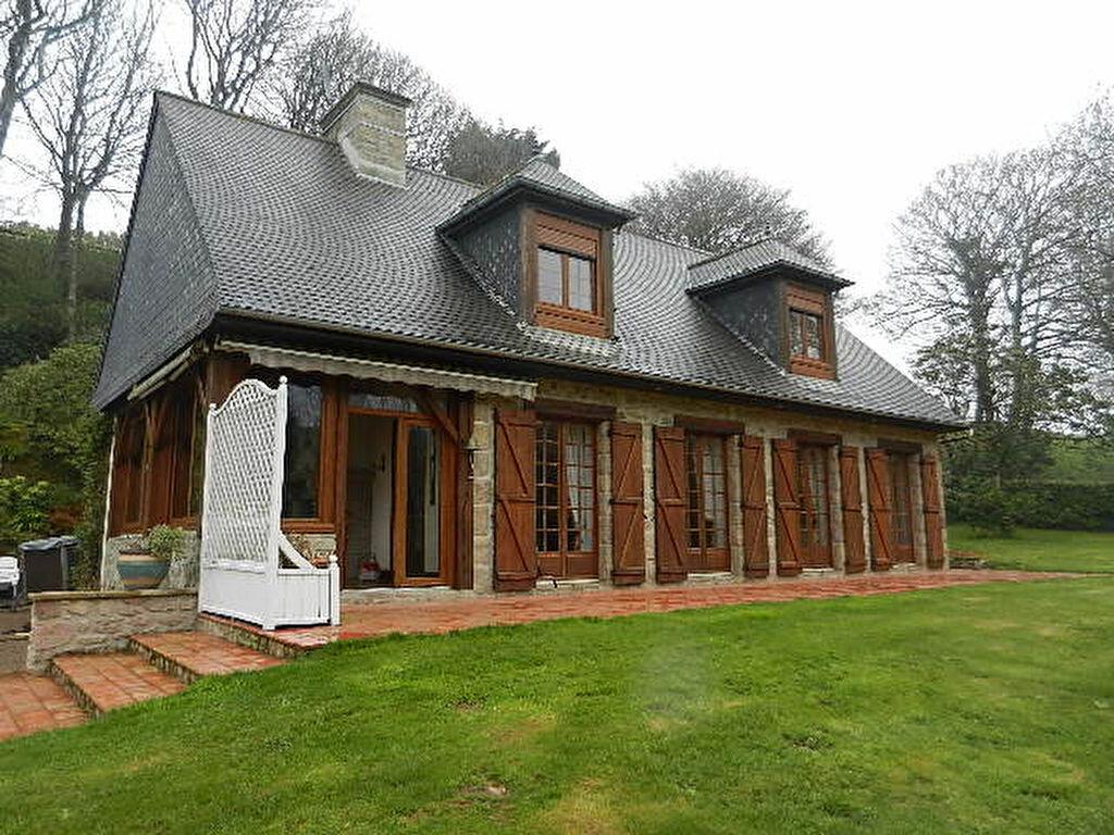 Location Maison 7 pièces à Gréville-Hague - vignette-1