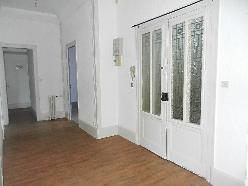 Achat Appartement 4 pièces à Cherbourg-Octeville - vignette-4
