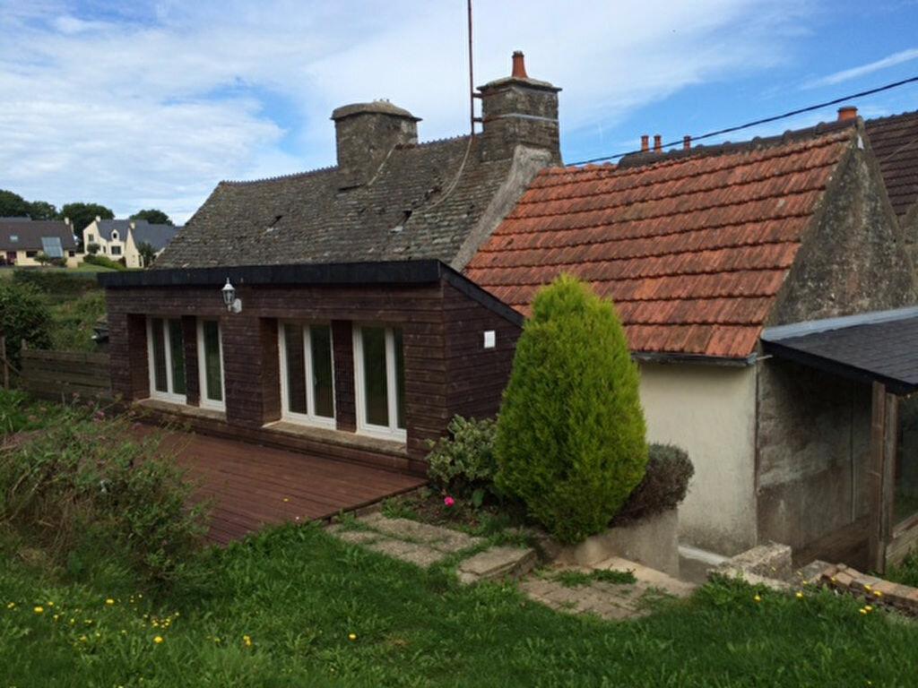 Location Maison 4 pièces à Équeurdreville-Hainneville - vignette-1