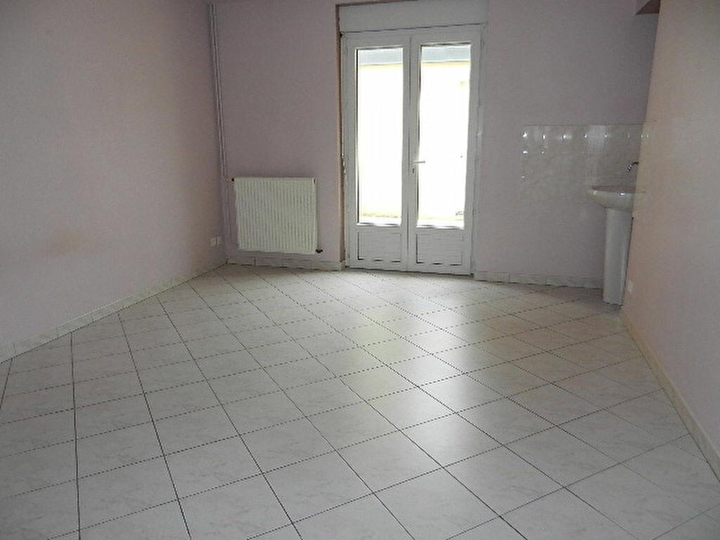 Location Maison 5 pièces à Cherbourg-Octeville - vignette-7