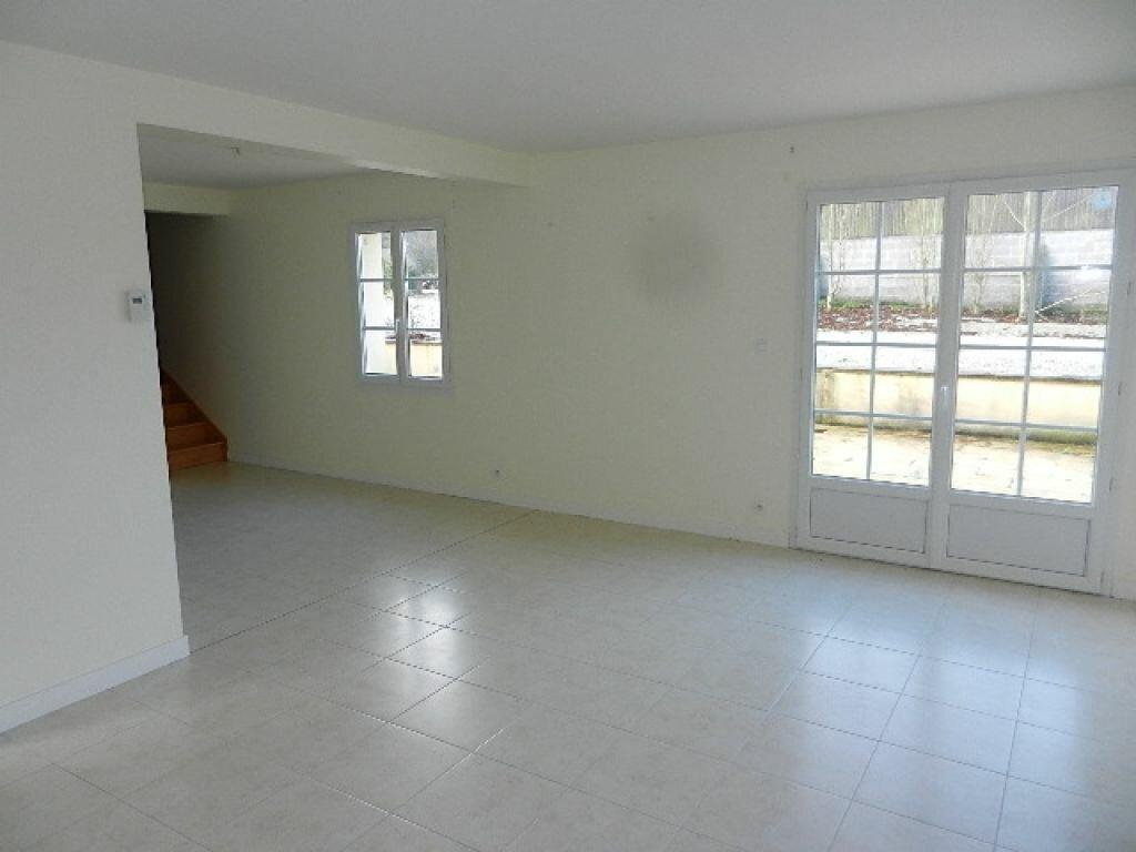 Location Maison 5 pièces à Le Mesnil-au-Val - vignette-9