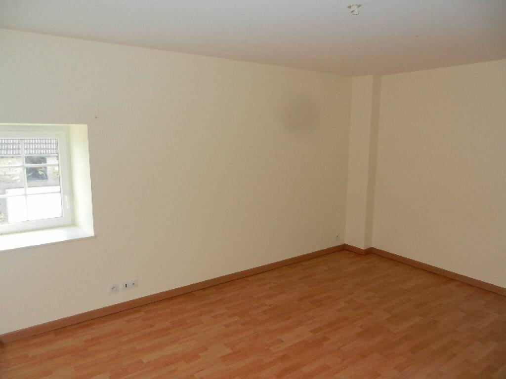 Location Maison 5 pièces à Le Mesnil-au-Val - vignette-11