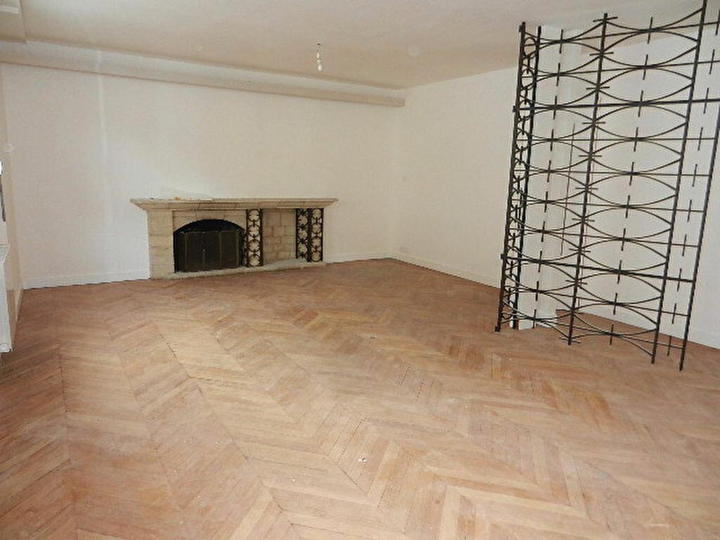 Location Appartement 5 pièces à Cherbourg-Octeville - vignette-2