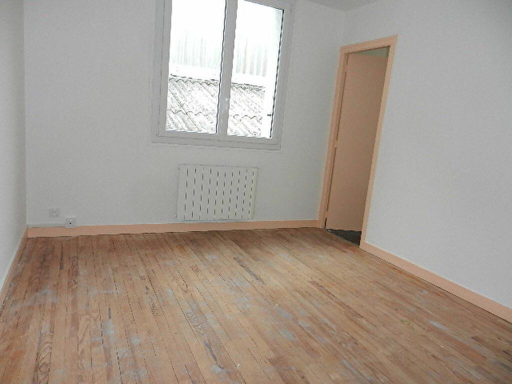 Location Appartement 5 pièces à Cherbourg-Octeville - vignette-4