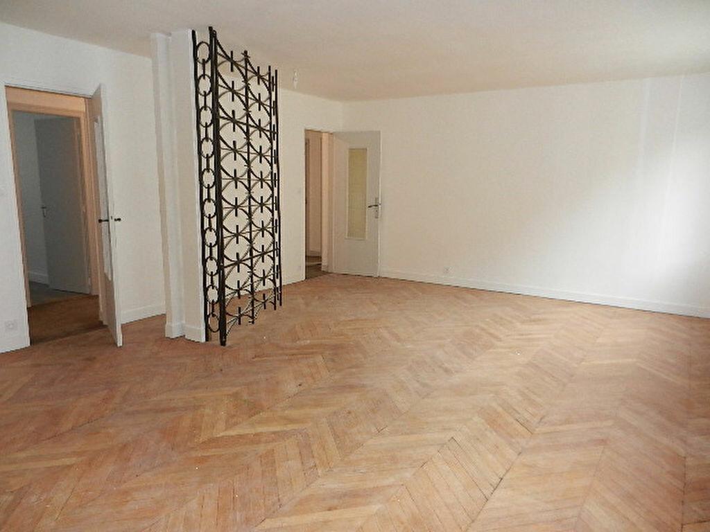 Location Appartement 5 pièces à Cherbourg-Octeville - vignette-7