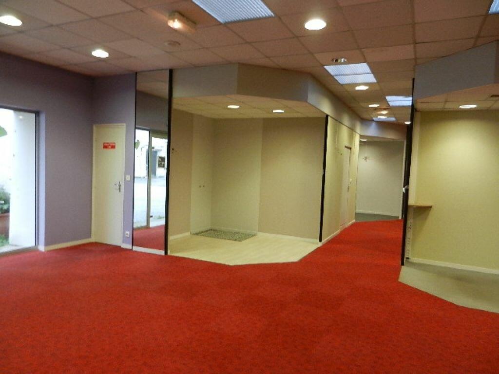 Location Local commercial  à Cherbourg-Octeville - vignette-3