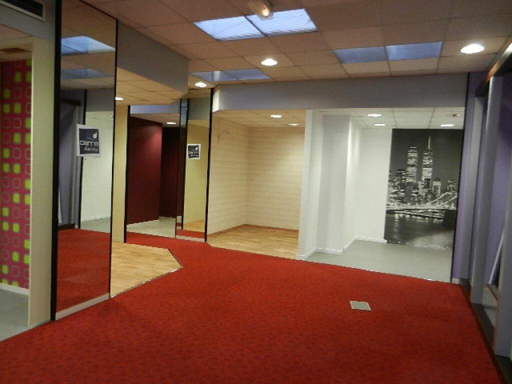 Location Local commercial  à Cherbourg-Octeville - vignette-8