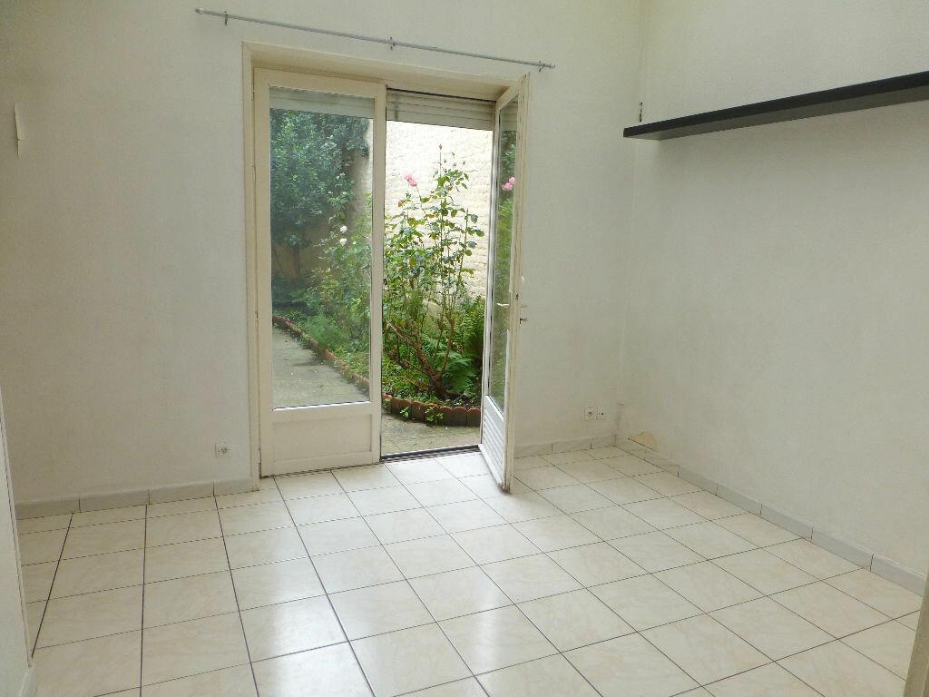 Location Appartement 2 pièces à Lille - vignette-2