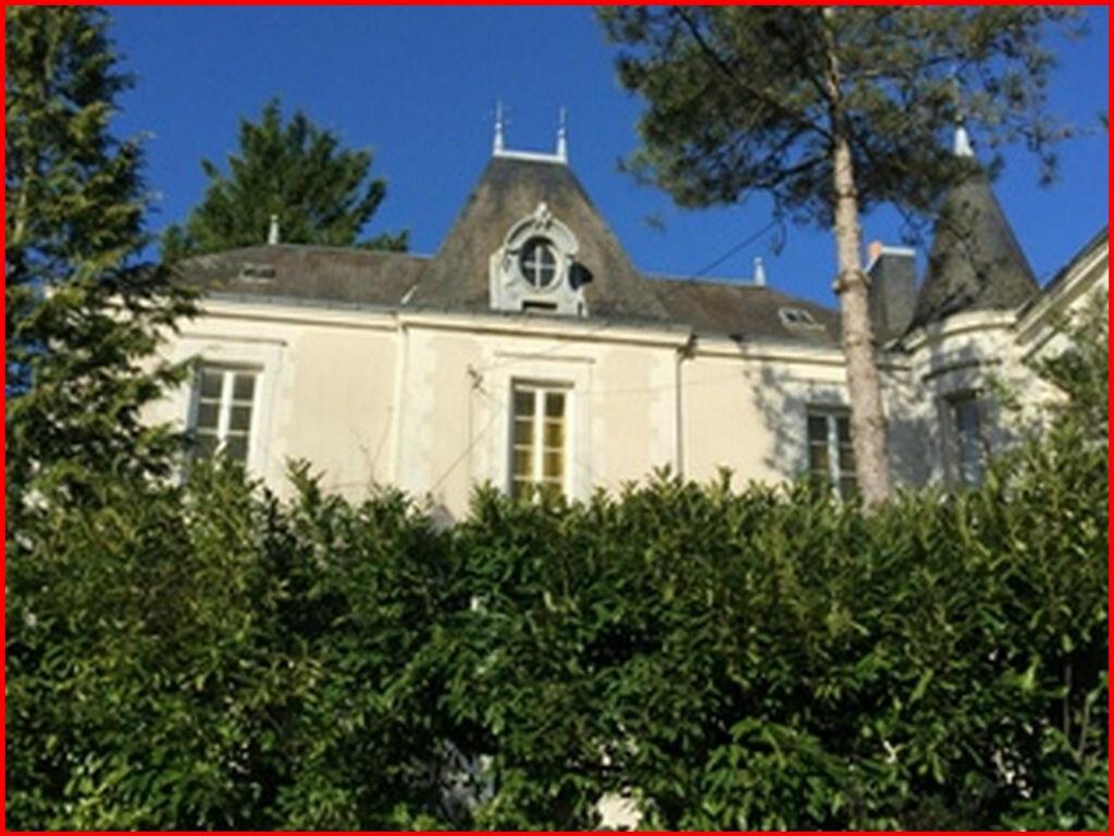 Achat Maison 8 pièces à Corcoué-sur-Logne - vignette-1