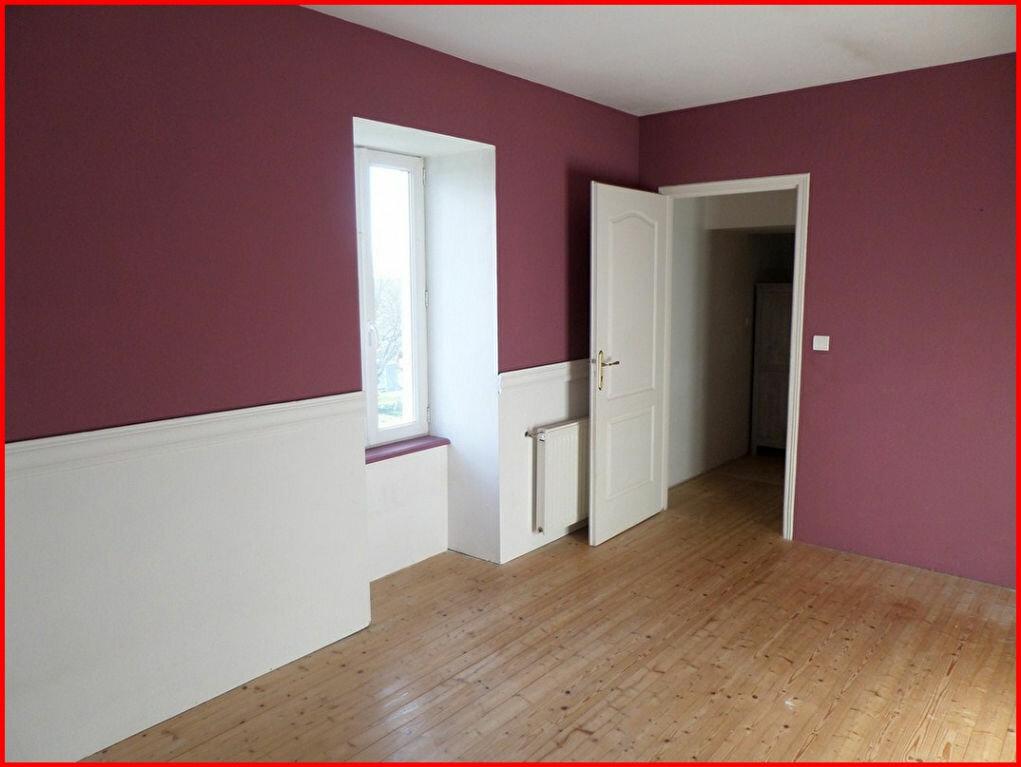 Achat Maison 9 pièces à Saint-Étienne-du-Bois - vignette-5