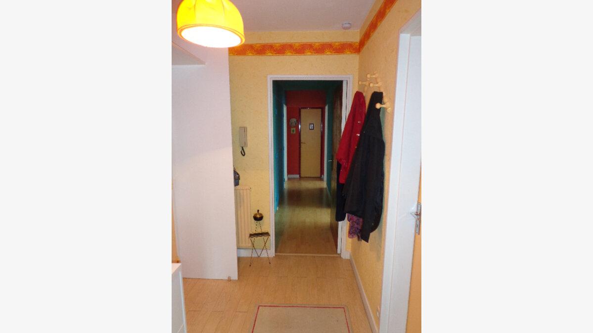 Achat Appartement 4 pièces à Redon - vignette-4