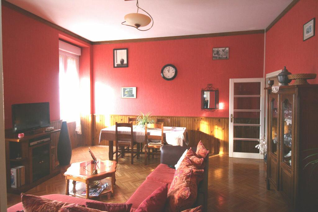 Achat Appartement 5 pièces à Redon - vignette-1