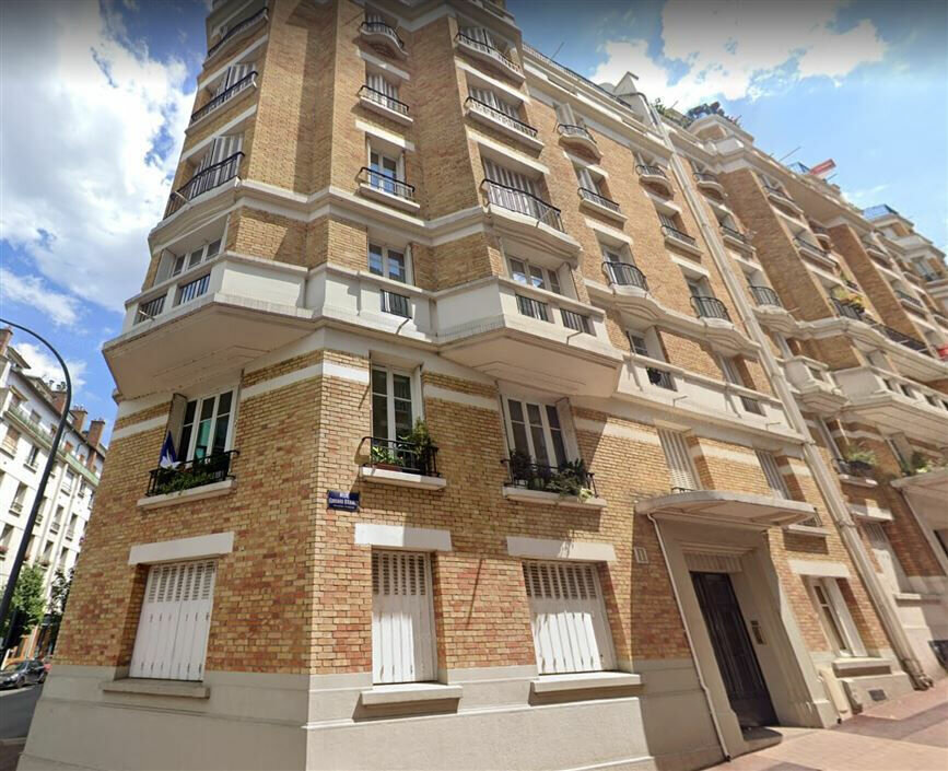 Location Appartement 2 pièces à Issy-les-Moulineaux - vignette-1