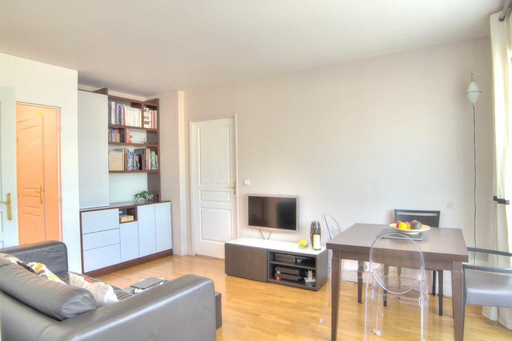 Achat Appartement 2 pièces à Issy-les-Moulineaux - vignette-4
