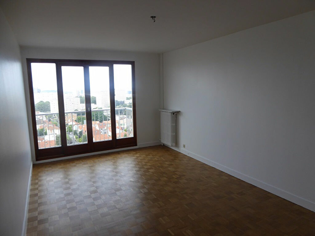 Location Appartement 5 pièces à Châtillon - vignette-1