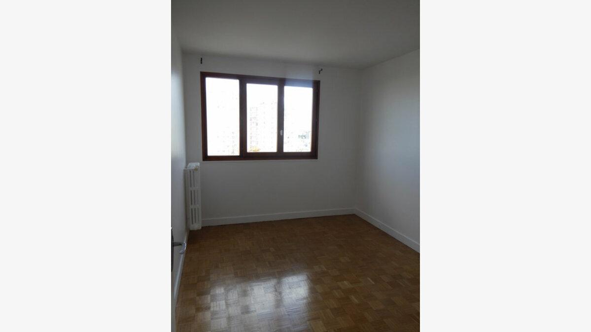 Location Appartement 5 pièces à Châtillon - vignette-4