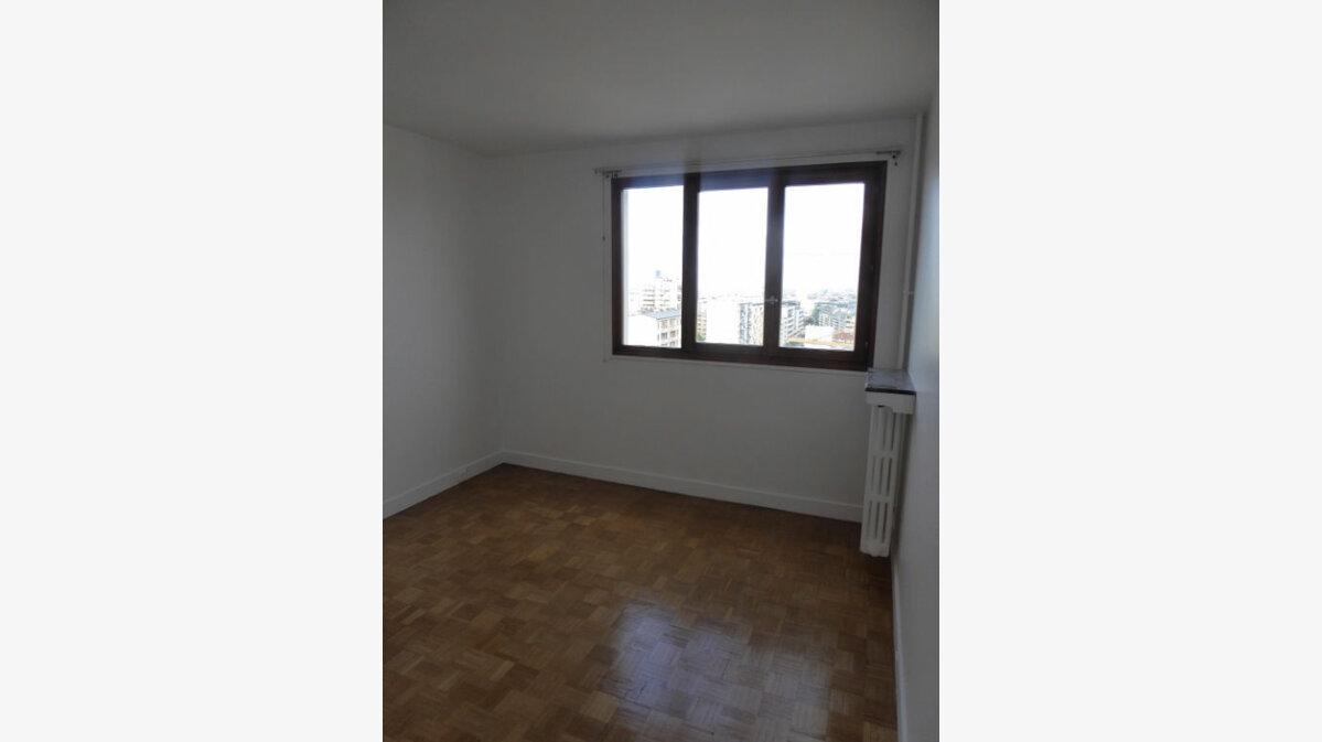 Location Appartement 5 pièces à Châtillon - vignette-5