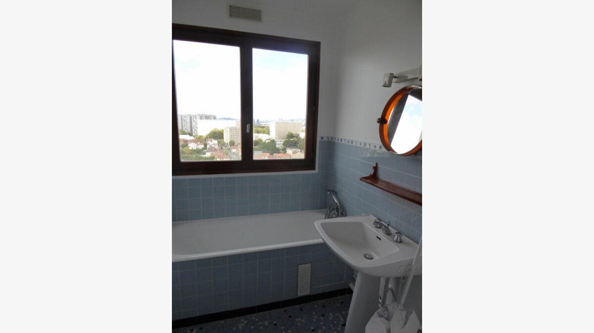 Location Appartement 5 pièces à Châtillon - vignette-8