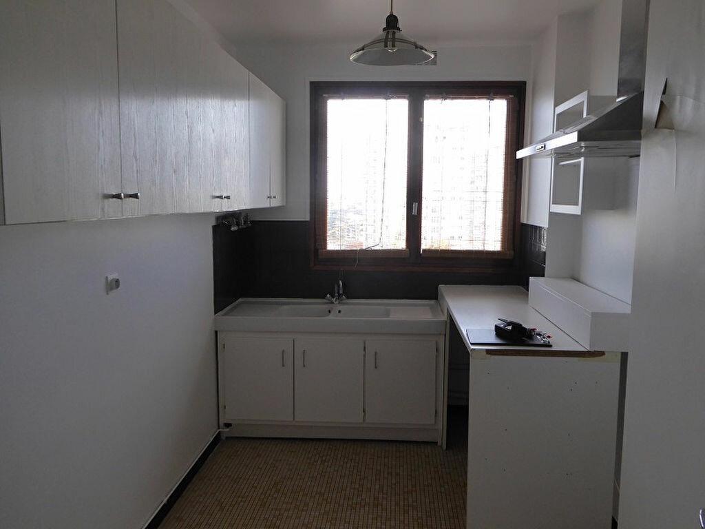 Location Appartement 5 pièces à Châtillon - vignette-10