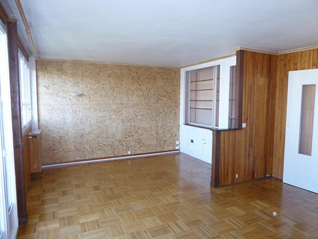 Location Appartement 3 pièces à Châtillon - vignette-1