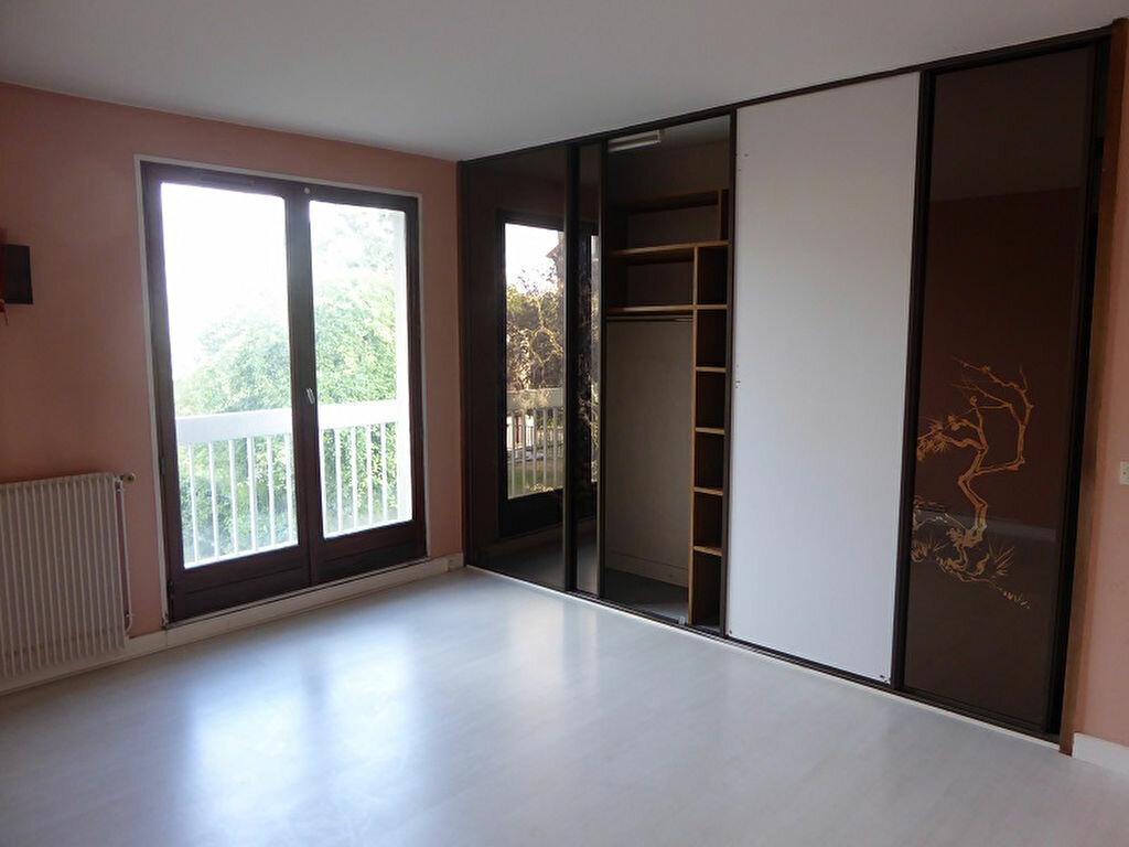 Location Appartement 4 pièces à Châtillon - vignette-5