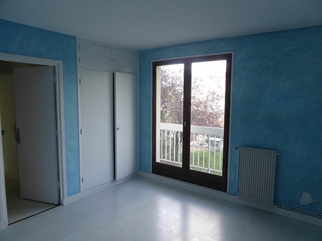 Location Appartement 4 pièces à Châtillon - vignette-7