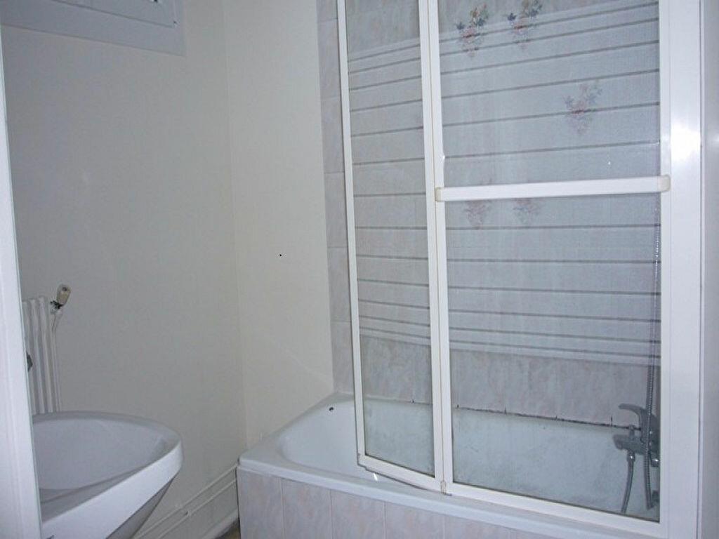 Location Appartement 4 pièces à Châtillon - vignette-6