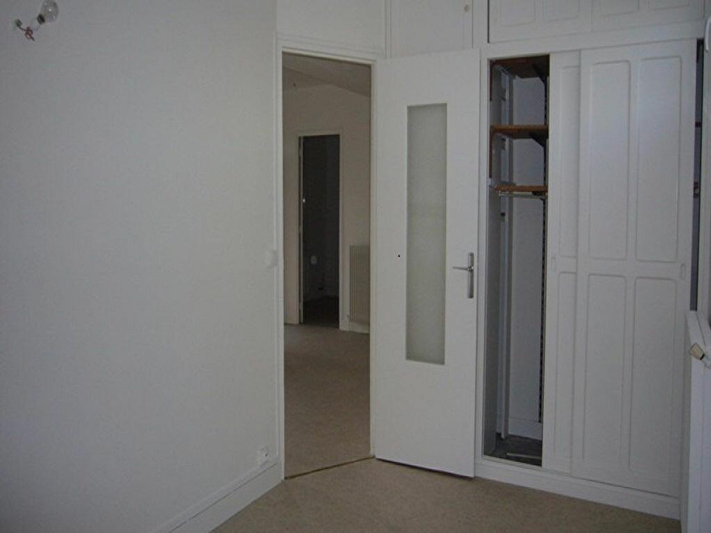 Location Appartement 4 pièces à Châtillon - vignette-8