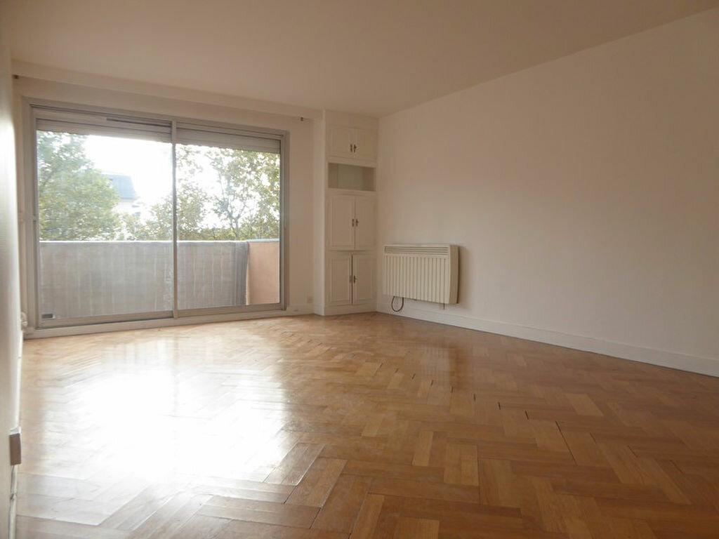 Achat Appartement 3 pièces à Montrouge - vignette-1