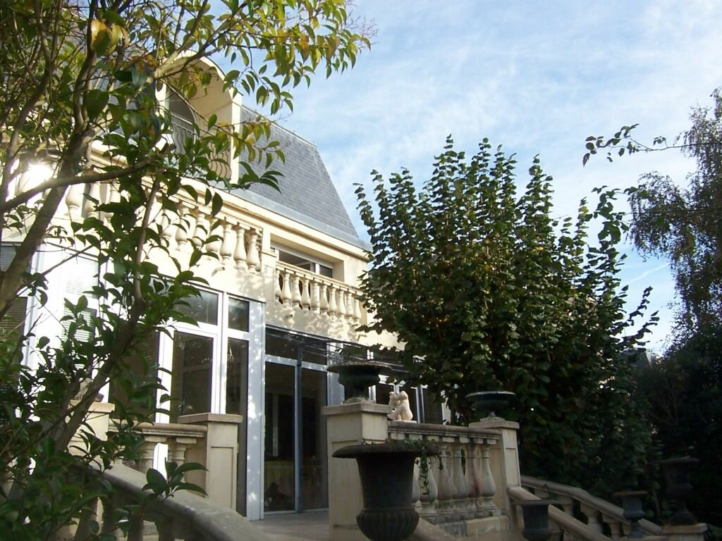 Achat Maison 11 pièces à Châtenay-Malabry - vignette-1