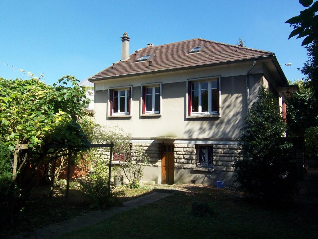 Location Maison 6 pièces à Sceaux - vignette-1
