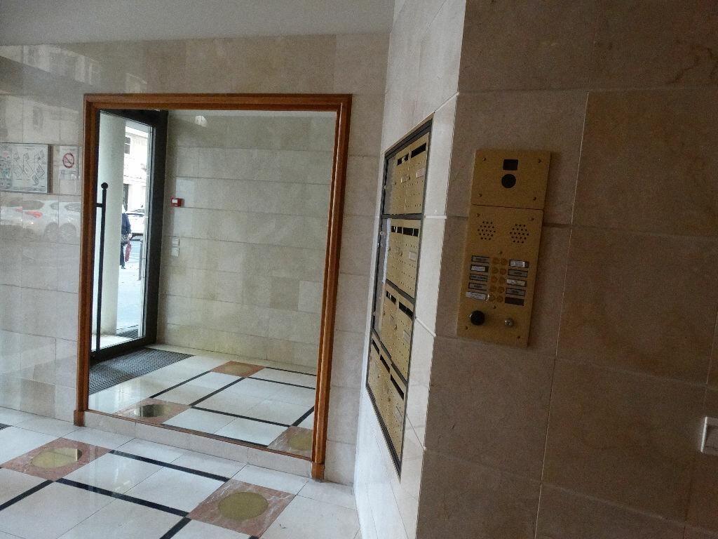 Achat Appartement 4 pièces à Paris 15 - vignette-5