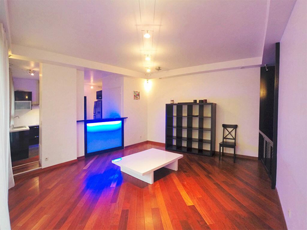 Location Appartement 2 pièces à Joinville-le-Pont - vignette-1