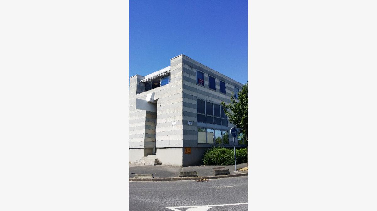 Location Bureaux  à Sucy-en-Brie - vignette-1