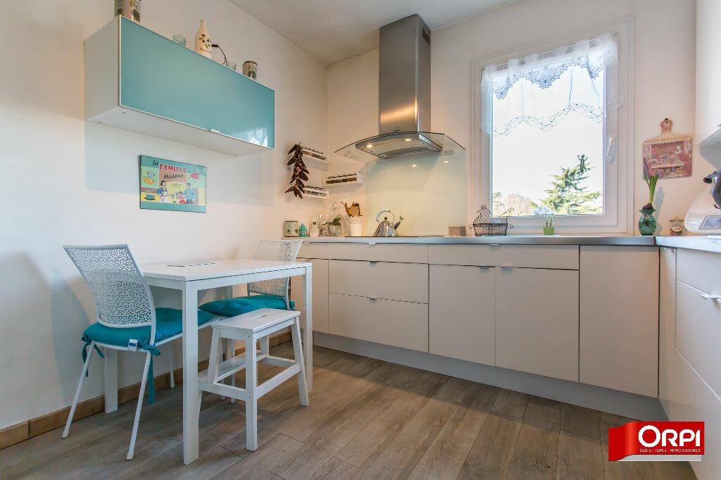 Achat Appartement 4 pièces à Sucy-en-Brie - vignette-6