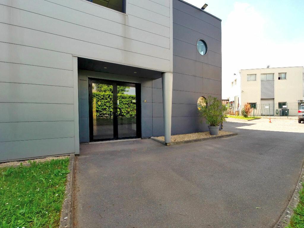 Location Local commercial  à Sucy-en-Brie - vignette-1