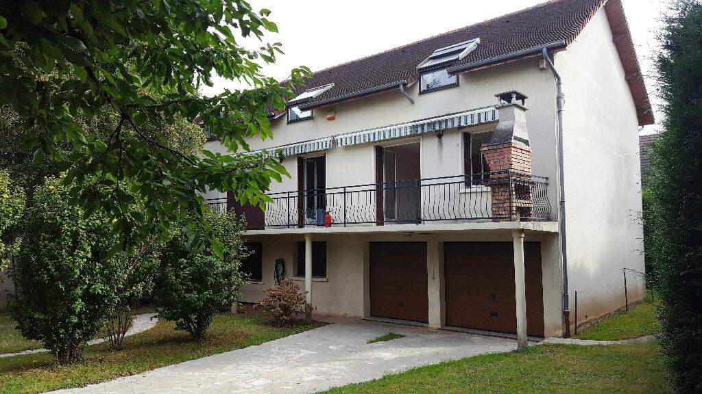 Achat Maison 9 pièces à Ormesson-sur-Marne - vignette-1