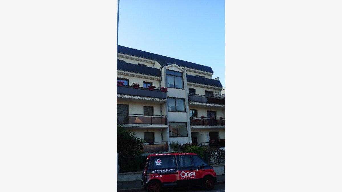 Location Appartement 3 pièces à Noisy-le-Grand - vignette-1