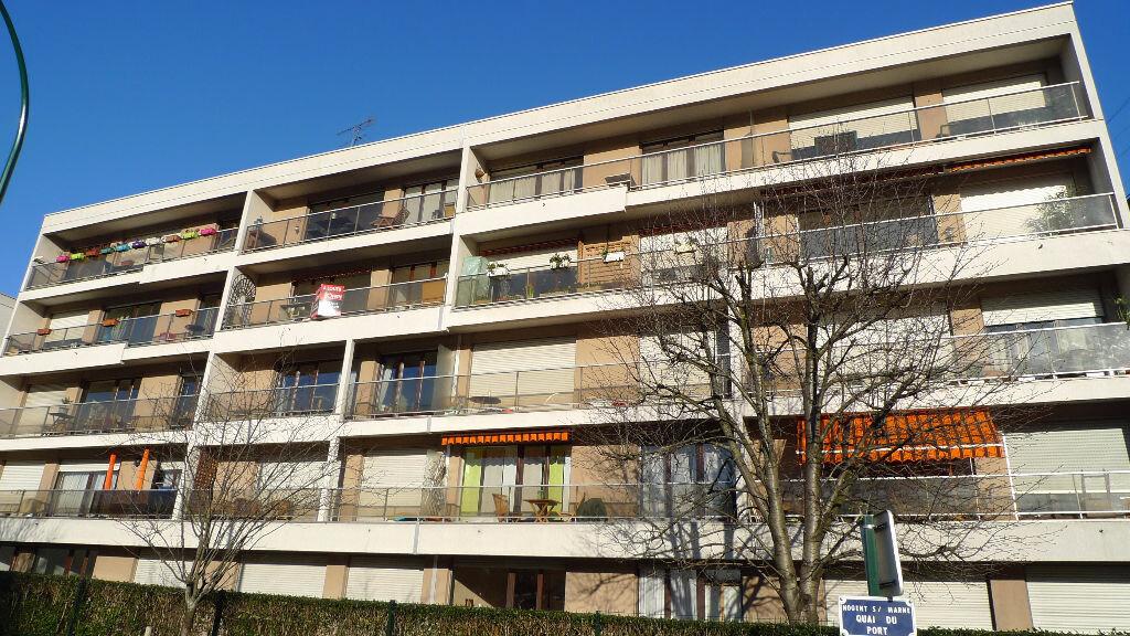 Location Appartement 3 pièces à Nogent-sur-Marne - vignette-1