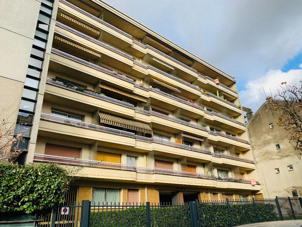 Location Appartement 1 pièce à Nogent-sur-Marne - vignette-1