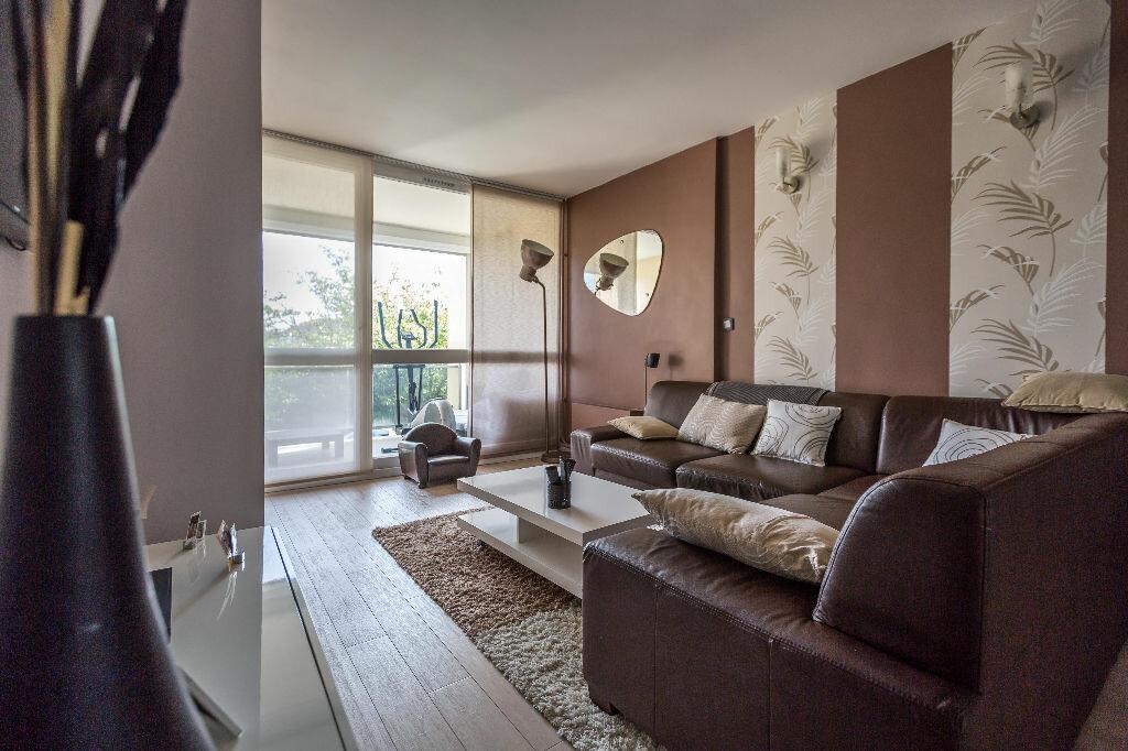 Achat Appartement 4 pièces à Le Plessis-Trévise - vignette-2