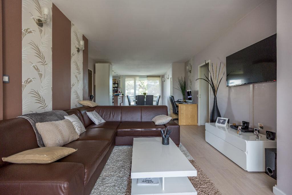 Achat Appartement 4 pièces à Le Plessis-Trévise - vignette-3