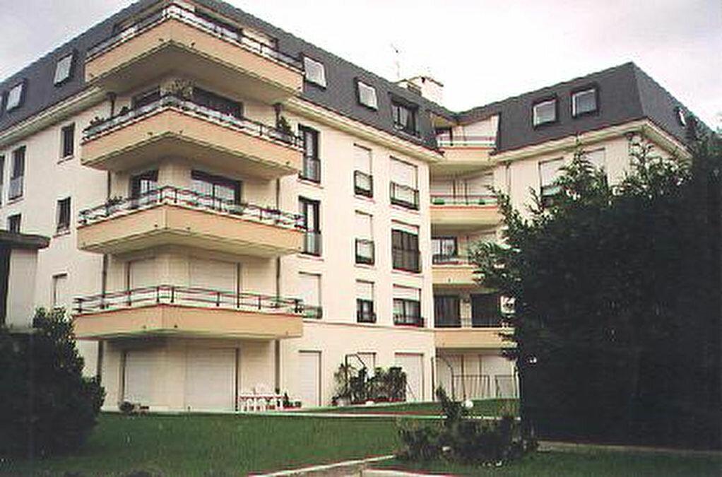 Achat Appartement 1 pièce à Le Plessis-Trévise - vignette-1