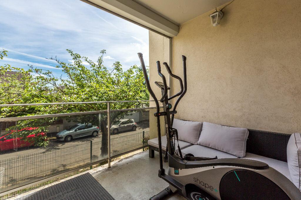 Achat Appartement 4 pièces à Le Plessis-Trévise - vignette-4