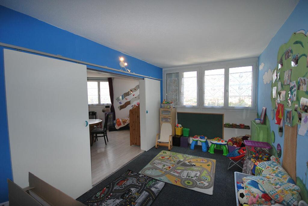 Achat Appartement 4 pièces à Créteil - vignette-2