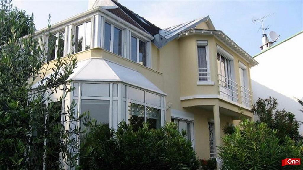 Achat Maison 5 pièces à Nogent-sur-Marne - vignette-1
