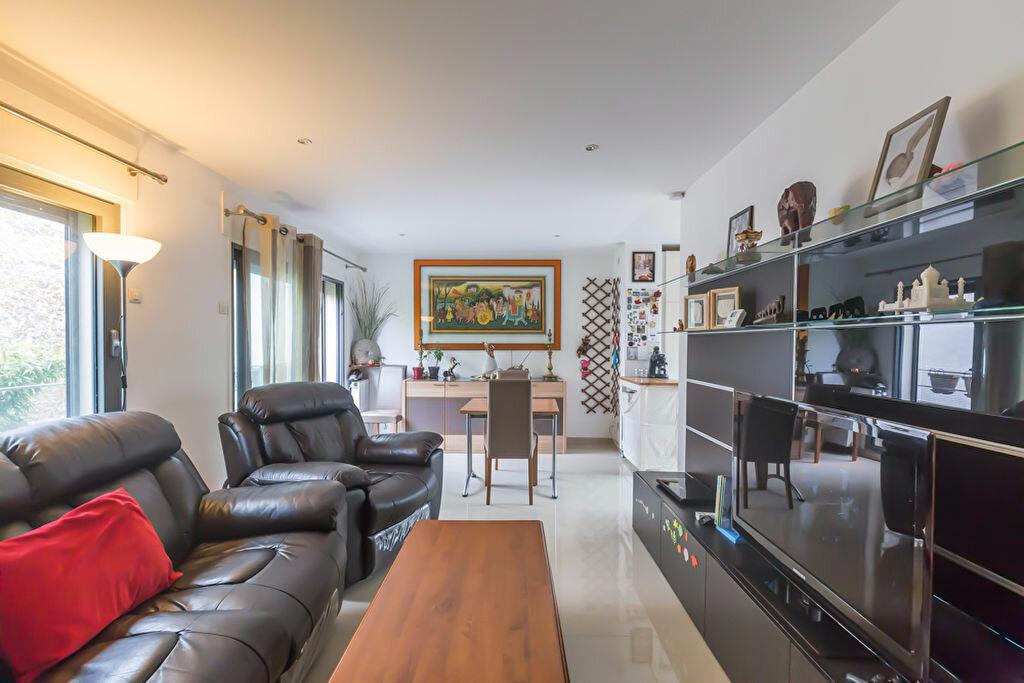 Achat Appartement 3 pièces à Nogent-sur-Marne - vignette-4
